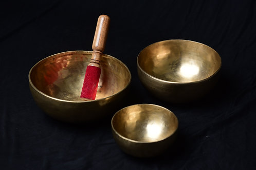 Teen bindu singing bowl set