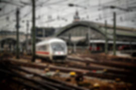 railway-station-619082_1920.jpg