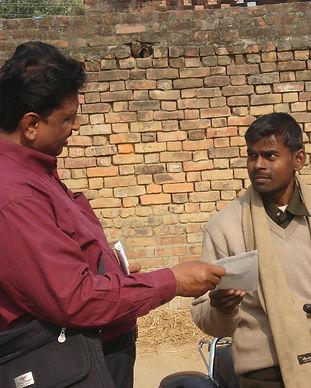 evangelisering pastor John.JPG