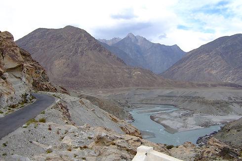 Karakoram_Highway_.jpg