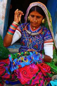 WomenEmbroideryIndia6.jpg