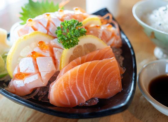 Best of Both Worlds' Salmon Sashimi (300g)