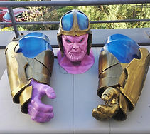 Thanos cosplay- robot led yanis guarida