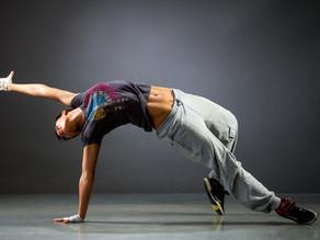 ספיישל איזון מפרק ירך ואגן - שלב 1 מתוך 3 שחרור ועיסוי הארבע ראשי בשכיבה על הבטן