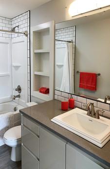 Garage Suite - Bath
