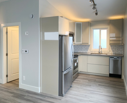 Garage Suite - Kitchen 2