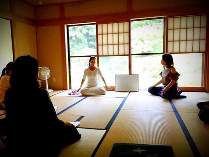 講座風景_yoga_edited.jpg