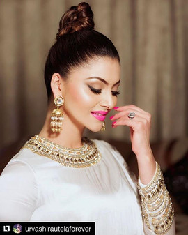 #urvashirautela shines in #intriprinti _