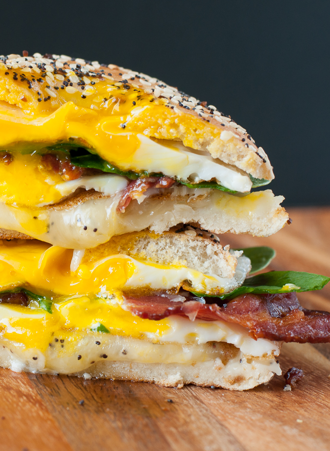 everything-bagel-breakfast-grilled-cheese-sandwich-recipe-egg-bacon-spinach-cheese-680-0364