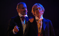 Henry Wotton (Franços Aymeric) et Dorian Gray (Denis Frenkel)