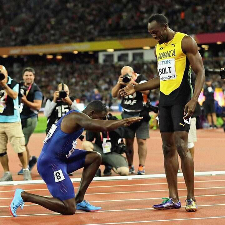 Justin Gatlin reverencia Usain Bolt