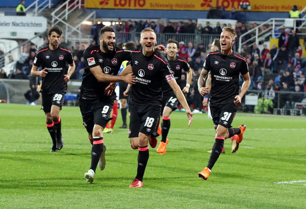 "Nuremberg, ""O Clube"", volta à Bundesliga"