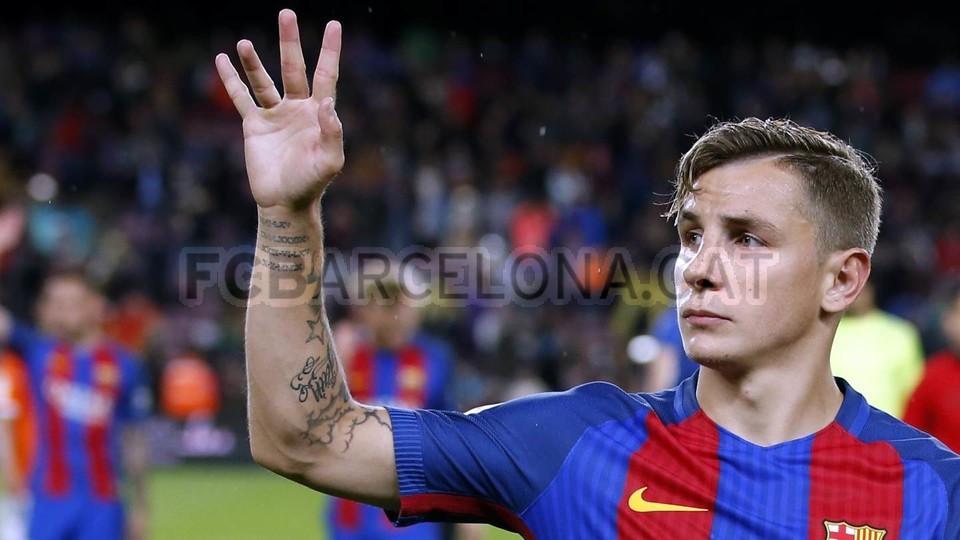 Lucas Digne em jogo pelo Barcelona