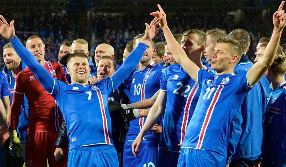 Seleção da Islândia comemora classificação à Rússia 2018