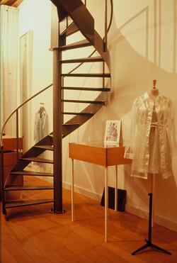 Kledingwinkel Nathalie Vincent, Antwerpen Cnetrum, 1995 ( gordijn Petra Blaise )