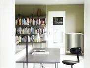 leestafel boekenkast.jpg