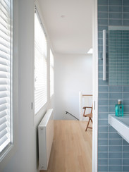 8 kleine badkamer.jpg