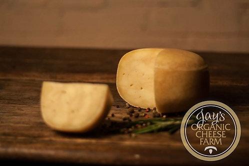 Мраморный сыр с темным пивом