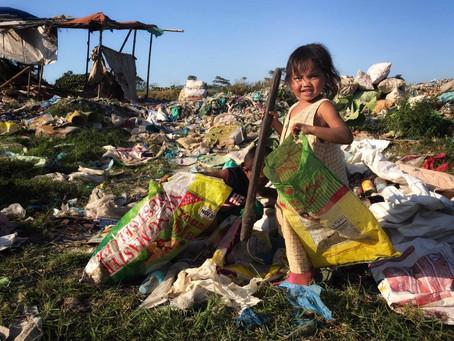El monstruo invisible, cuando la infancia transcurre en un basurero