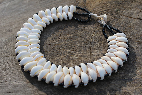 Double layered cowrie necklace