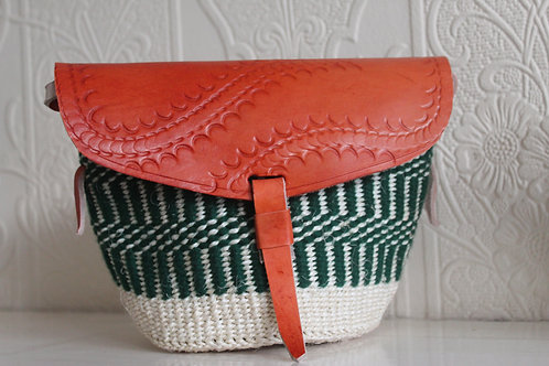 Green and beige sisal and leather sling bag