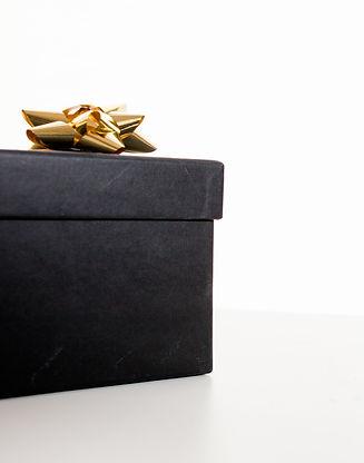 birthday-gift-bow-box-1909302.jpg