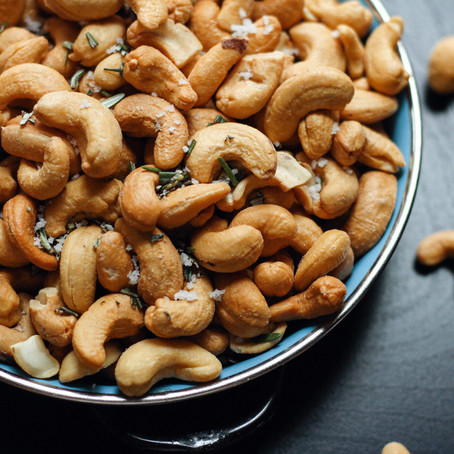The amazing health benefits of Almonds, Cashews & Co.