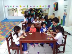 practicas_profesionales_con_niños_en_aula