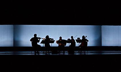 Singularity, Renaud Rubiano HERMES , Theatre National de Strasbourg, IRCAM, Cursus 2, 平野真由 イルカム