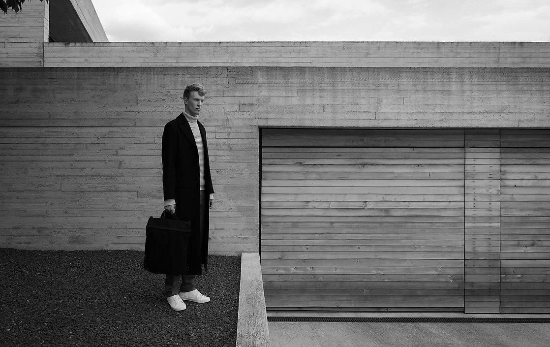 J-Konrad-Schmidt_BMW-The-7_Beton_Mies-va