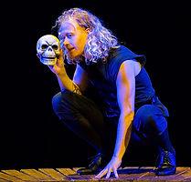 Hamlet Yorick skull.jpg