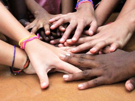 Crianças, Música e Solidariedade | Que tal falar com seu(s) filho(s) sobre isso?