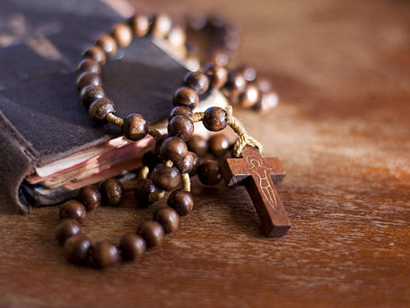 "Praying the ""Corona"" During Coronavirus: The Rosary as a Prayer for Our Times"