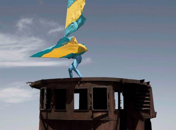 Aral Revival #03 - Kazakhstan 2013 - Photography of performance diptych C-print - 2x (95,5cm x 95,5cm) - Edition of 5 + 2EA