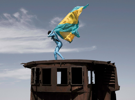 Aral Revival #01 - Kazakhstan 2013 - Photography of performance diptych C-print - 2x (95,5cm x 95,5cm) - Edition of 5 + 2EA