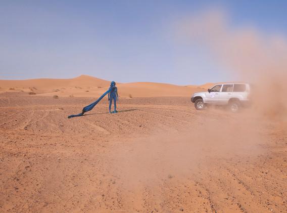 Drawing Landscape - Sahara 2014 - Photography of performance - C-print - 232cm x 120cm - Edition of 5 + 2EA