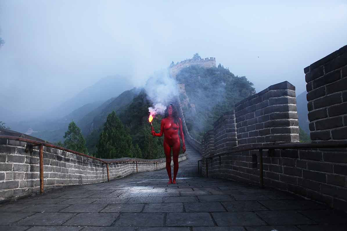 Action for Great Wall #2 - China 2011 - Photography of performance C-print - 93,5cm x 66cm - Edition of 5 + 1EA
