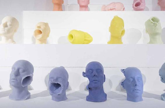 Sans titre - France 2017 - sculpture tête en savon végétal et colorant naturel - 27cm x 15 cm - pièce unique