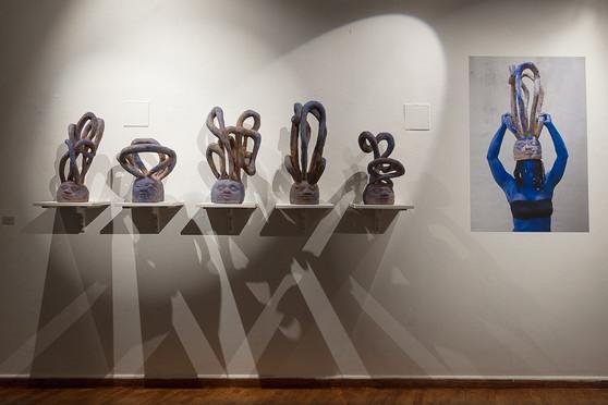 Sans titre 2018 - Bénin - bois - Vue d'exposition Bénin ©SophieNegrier