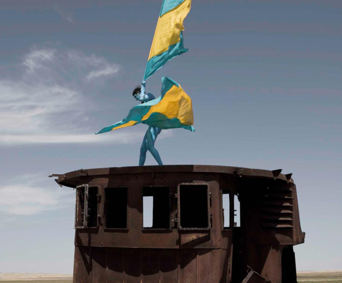 Aral Revival #04 - Kazakhstan 2013 - Photography of performance diptych C-print - 2x (95,5cm x 95,5cm) - Edition of 5 + 2EA
