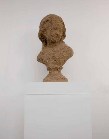 White Face Joséphine - sculpture sable et plâtre - Performance Flogging Joséphine - Martinique 2012