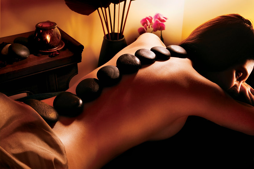 38.LivingWell-Hot-stone-massage.jpg