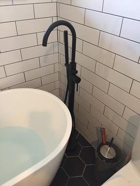 Robinet de bain émaillé noir