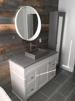 Comptoir de vanité et lavabo en béton poli gris