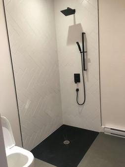 Base de douche en inox émaillé noir