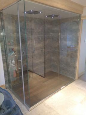 Base de douche en inox avec plancher de teck