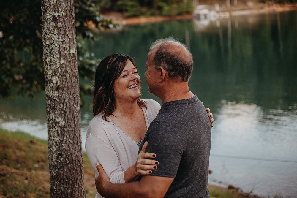 couples session by the lake