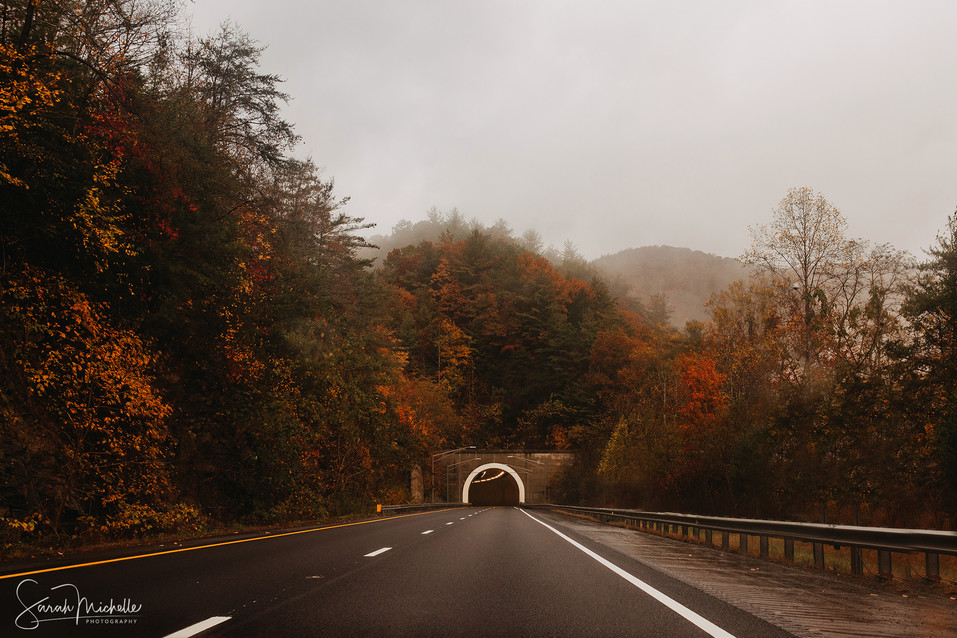 Blue Ridge Parkway in Autumn with Pretty Fall Colors