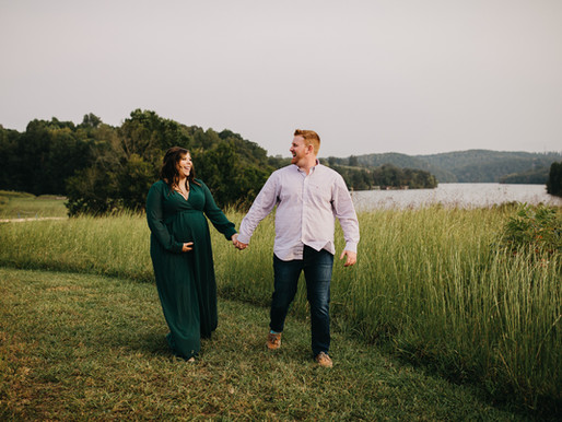 Cooney Maternity Session in Knoxville