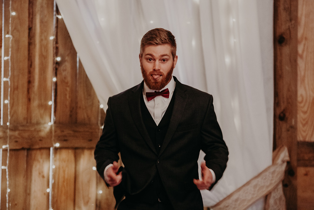groom excited to get married giving thumbs up